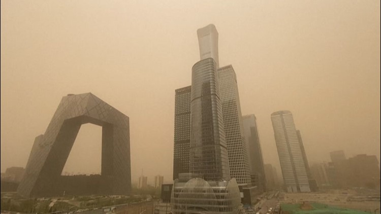 Sandstorm leads to hazardous pollution in Beijing