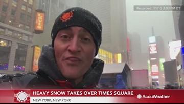 Heavy snow picks up in Manhattan