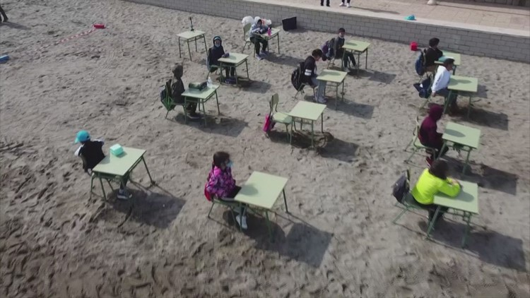 School Kids in Spain Take the Classroom to the Beach!