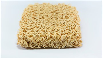 You Have to See These Gravity-Defying Ramen Noodles 'Floating' in Frigid Winter Weather