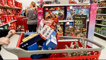 Holiday shopping: How to earn more cash back at department stores