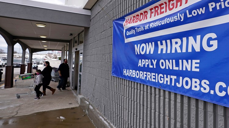 US employers add a weak 194,000 jobs as delta maintains hold