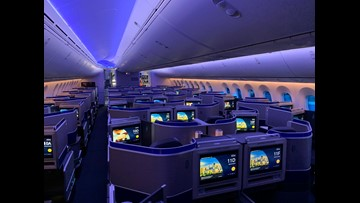 First look: United shows off its first Boeing 787-10 Dreamliner
