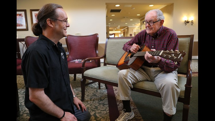 A WWII vet hadn't touched a guitar in 40 years. A gift let it all come back to him.