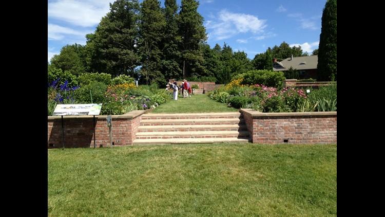 061418inn-shelburne-farms-garden.jpg