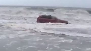 Jeep in the water at Myrtle Beach makes waves on social media