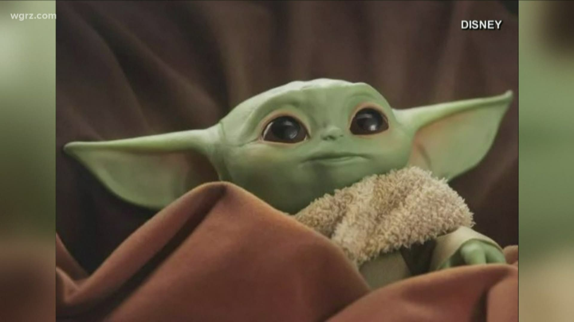 "Star Wars Mandalorian The Child Plush 7.5/"" Talking Baby Yoda Hasbro IN HAND"