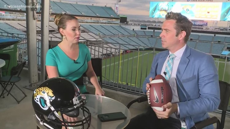 WATCH: Storm Expert Mike Prangley drops Lew Turner's perfect pass from the upper deck of the Jaguars' stadium | Com'mon, man!!!