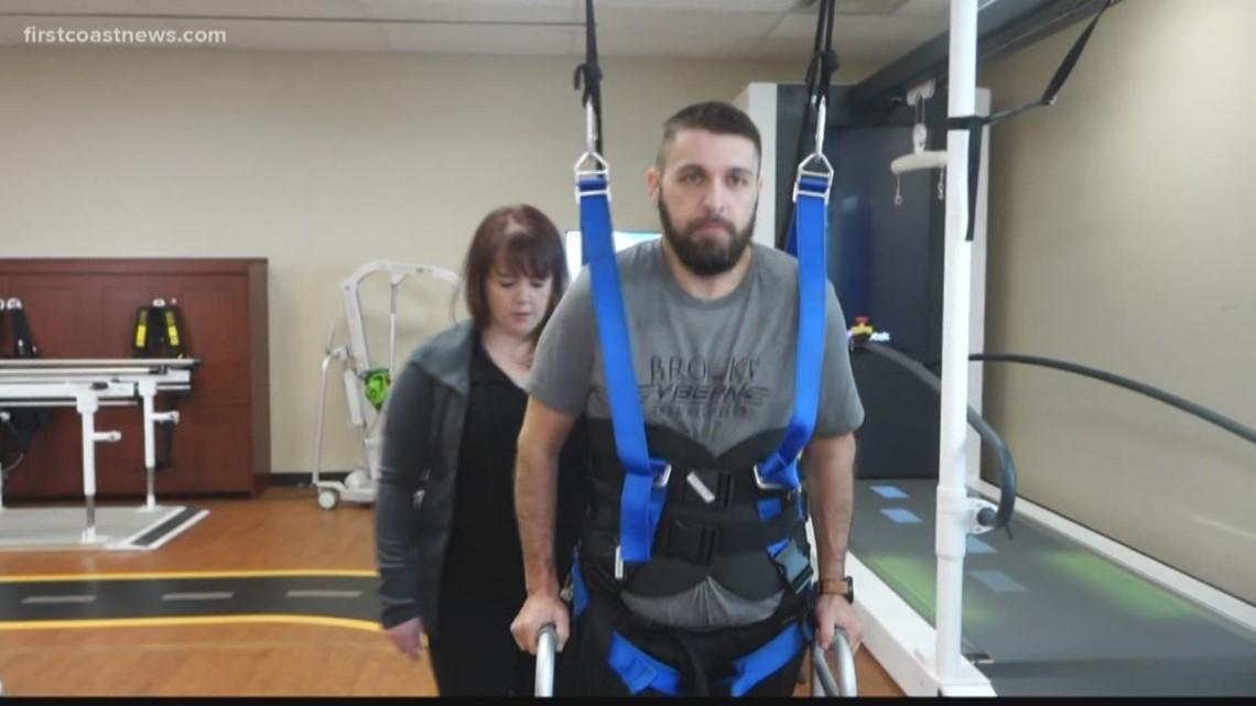 "Exoskeleton ""reads minds,"" helps paralyzed patients walk"