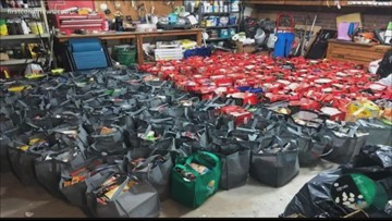 Homeless Orange Park High students get over 170 bags of food for the holidays