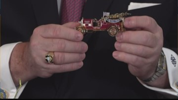 White House Christmas Ornament Revealed (FCL Nov. 12)