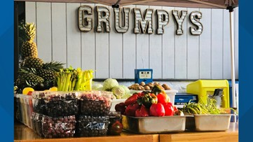 Orange Park restaurant hosts produce and pantry giveaway