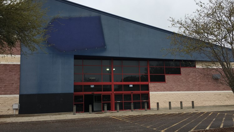 Small business owner shocked by Jacksonville Best Buy closure