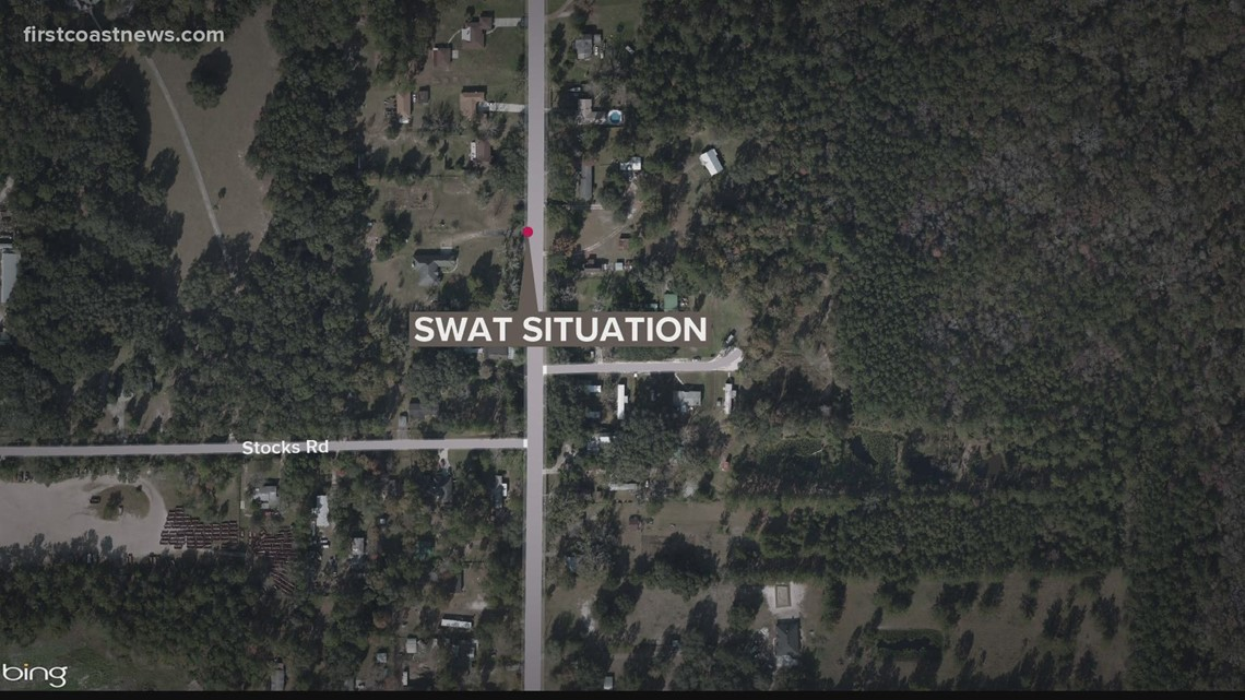 Jacksonville police looking for man who reportedly shot at two people