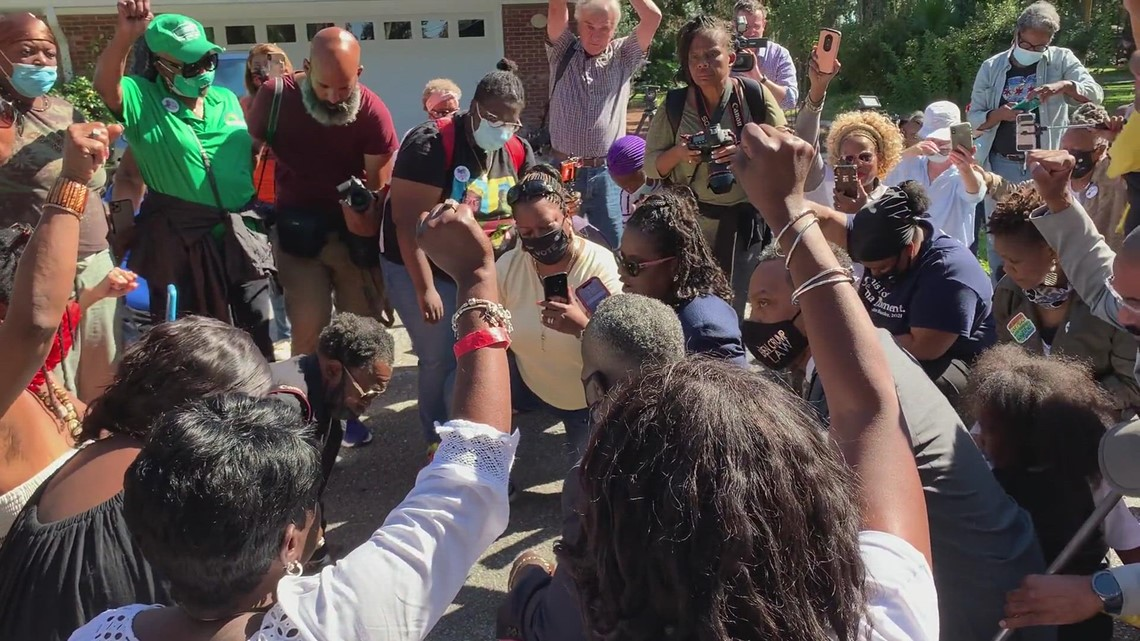 Ahmaud Arbery supporters gather for prayer, protest in Georgia neighborhood where he was killed