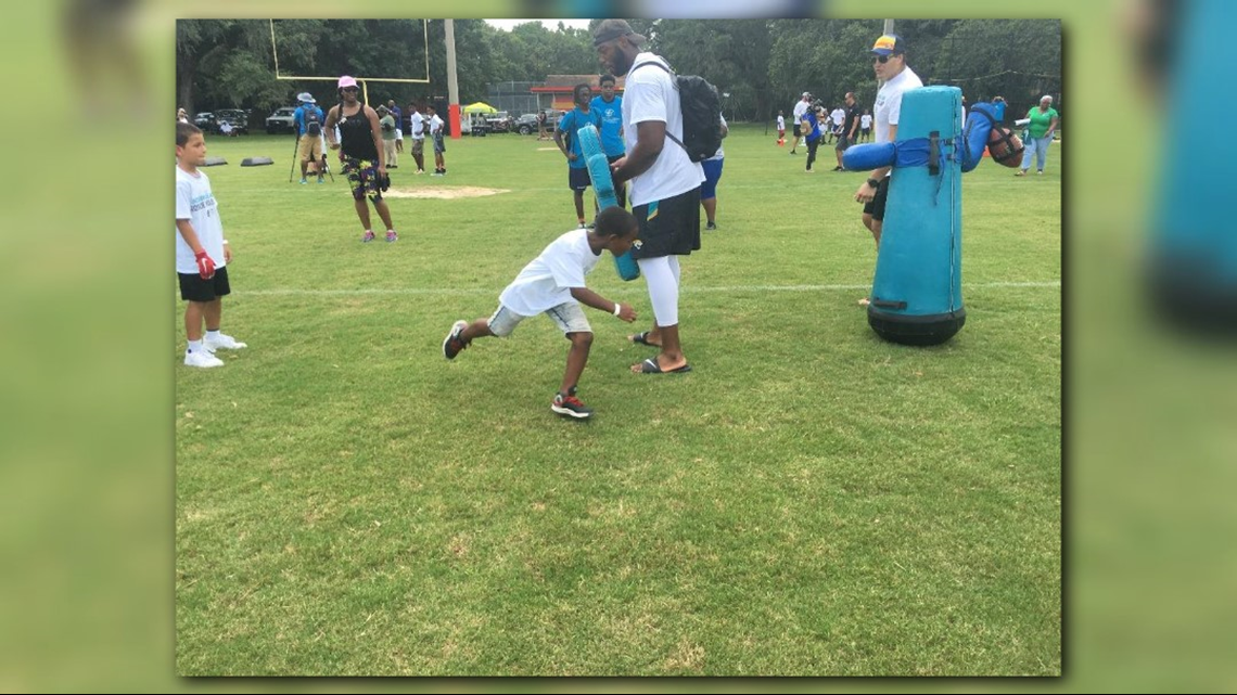 PHOTOS: Jaguars rookie class and Jacksonville PAL host youth