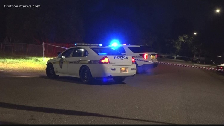 Man walks into hospital with gunshot wound to abdomen after Northside shooting