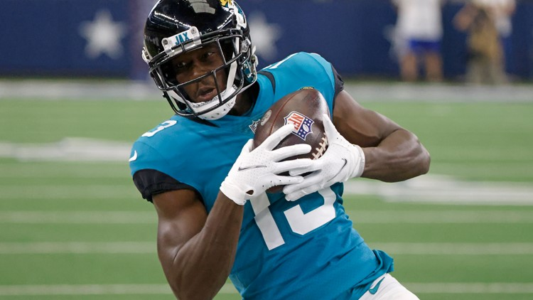 Jaguars sign 13 players to practice squad