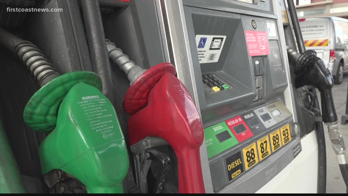 Wake Up and Save: How to save money while hitting the pump