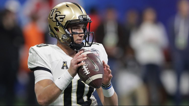 UCF QB McKenzie Milton carted off in first half against South Florida 62e7ea6d6