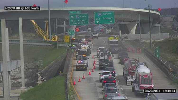 Traffic reopen on I-295 following multi-vehicle crash