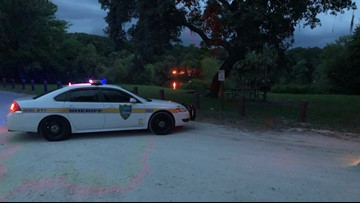 5-year-old survives, mother dies after car overturns in lake at Hanna Park