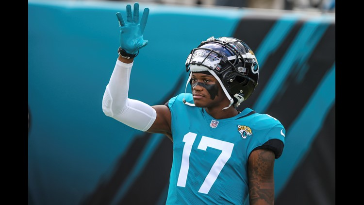 THE TEAL IS REAL! Jaguars change uniforms' primary color