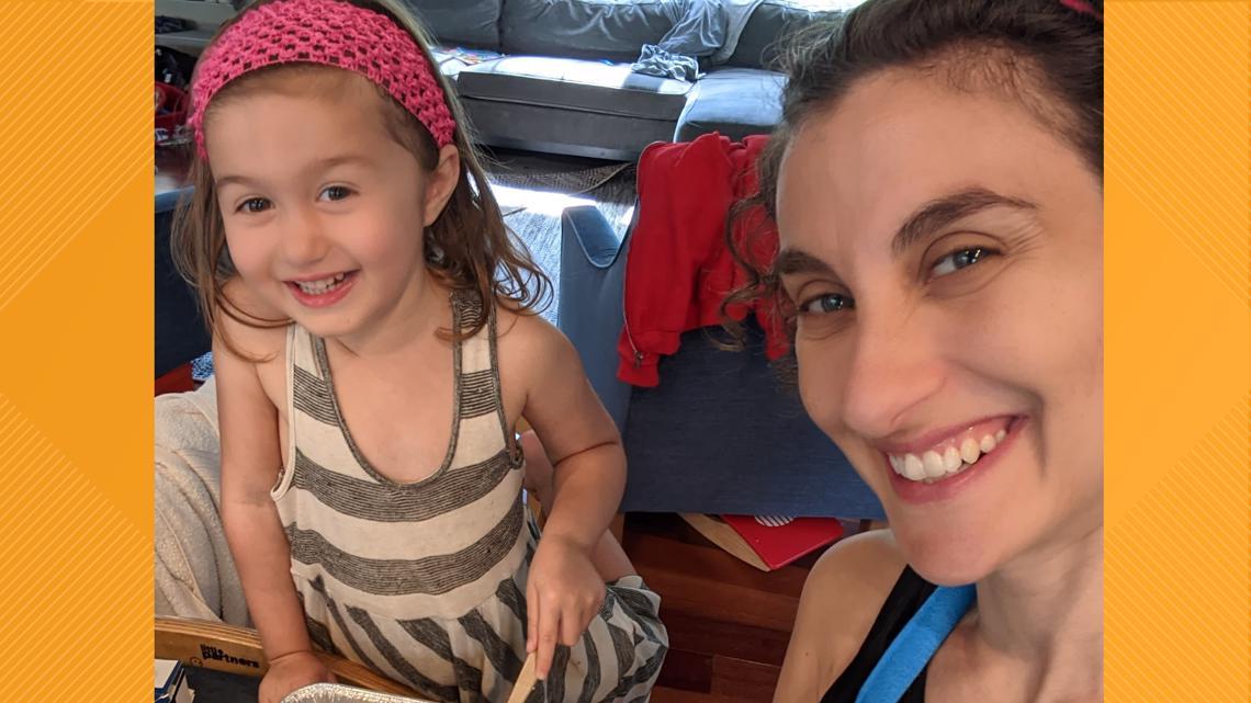 Lasagna Love: Mother, daughter bake lasagnas for neighbors struggling in pandemic