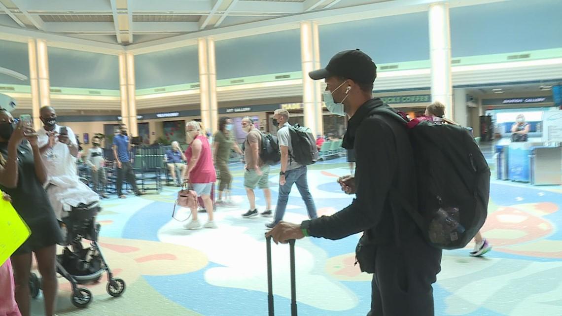 Gold Medalist Andre De Grasse returns to Jacksonville