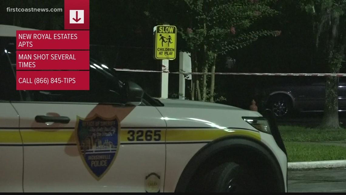 Man found dead behind Arlington Expressway apartment complex