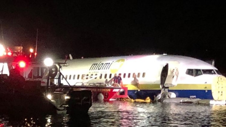737 crash St. Johns River
