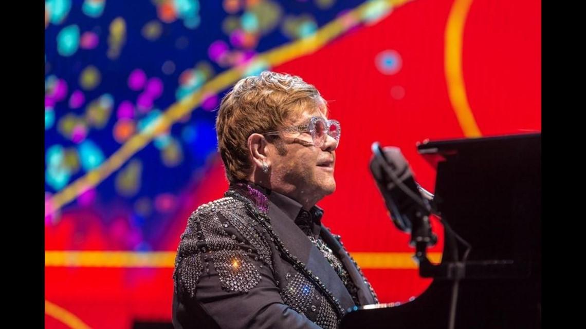 Photos Elton John In Concert At Jacksonville Veterans Memorial