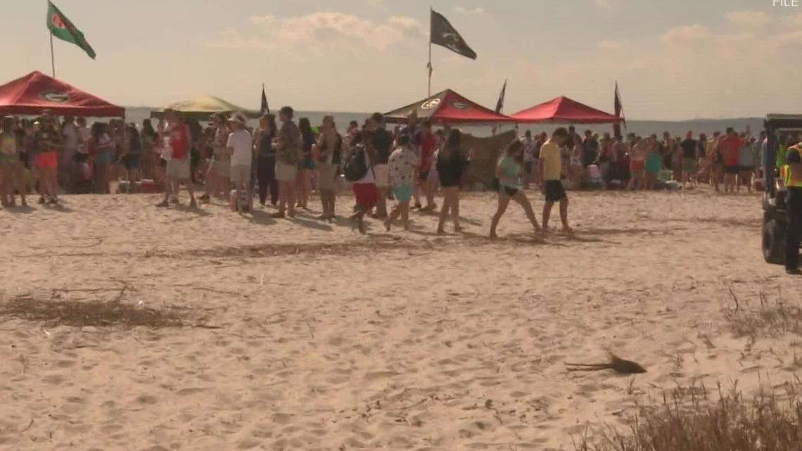 Glynn County passes beach ordinance for Georgia-Florida game