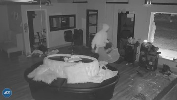 Caught on Camera | Burglar steals pricey wigs, weaves from Northside beauty shop