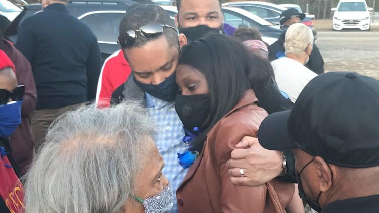 'That's my baby!'   Emotional vigil held on anniversary of Ahmaud Arbery's death