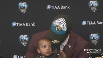 Josh Allen's son adorably interrupts his introductory press conference