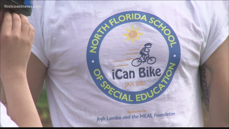 Josh Lambo hosts iCan Bike Camp at North Florida School of Special Education
