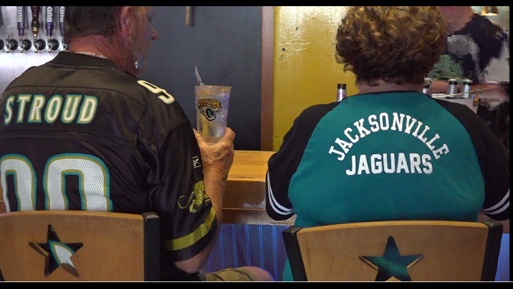 Local bars packed for Jaguars game