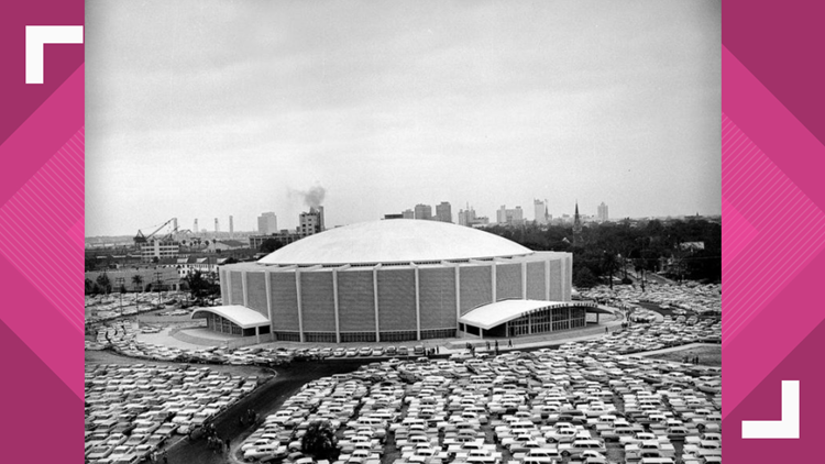 31 1960 Parked Cars Surround The Jacksonville Veterans Memorial Coliseum For Gator Bowl At Nearby Stadium Times Union Archives