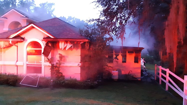 No one injured after fire breaks out in Green Cove Springs home