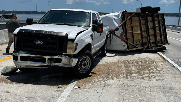 Jacksonville man crashes into Buckman Bridge wall after driving over temporary repair