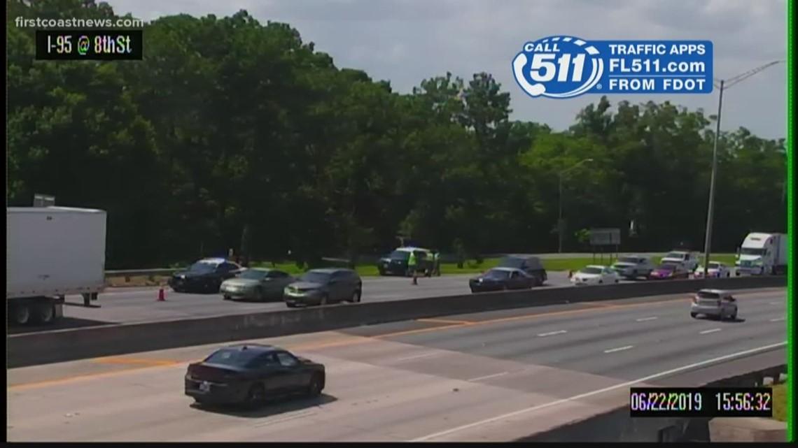 1 dead in 2-vehicle crash on I-95