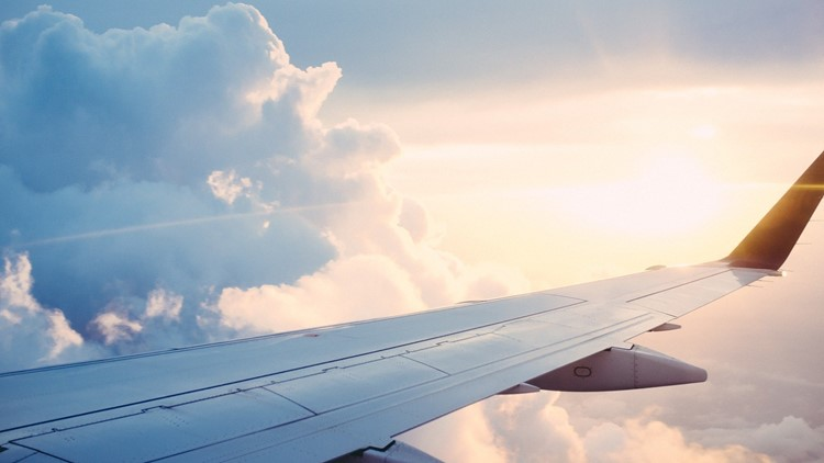 Stay Up and Save: Tips to save money on airline tickets
