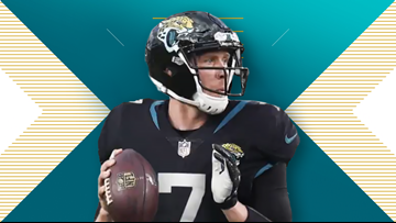 Jaguars make QB Nick Foles signing official