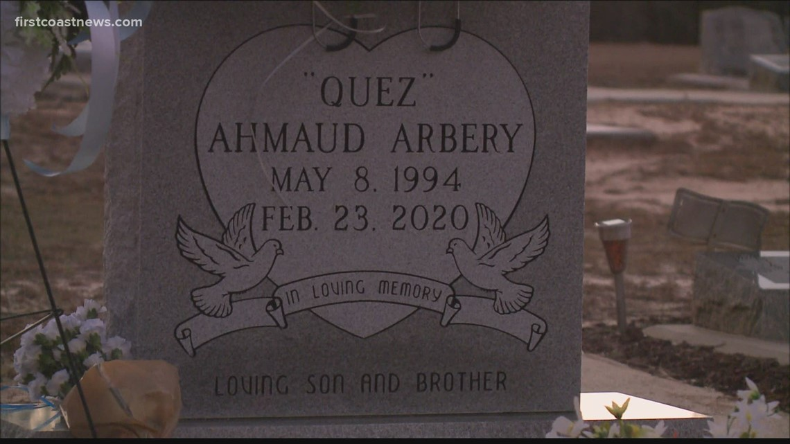 'That's my baby!' | Emotional vigil held on anniversary of Ahmaud Arbery's death