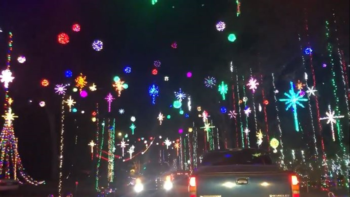 Blackhawk Bluff Christmas Lights 2020 Blackhawk Bluff neighborhood's annual Christmas display off Girvin
