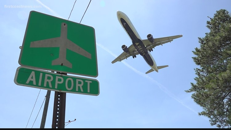 Buzz: Airlines seeing fuel shortage amid record numbers of travelers