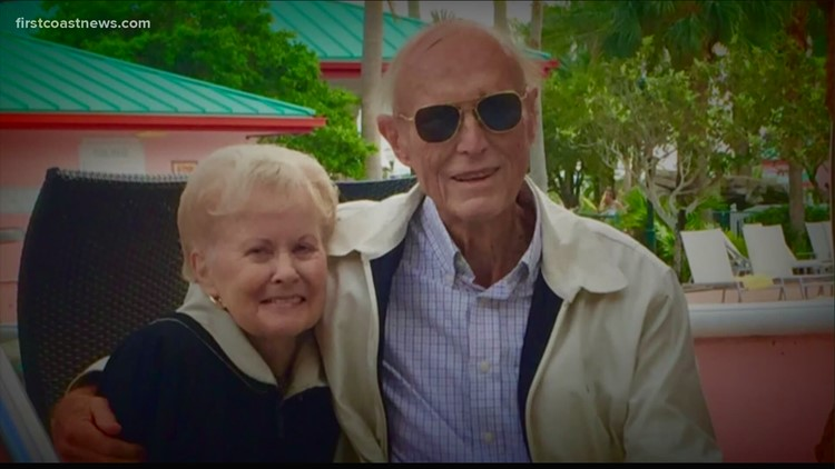 Real-life 'Notebook': Veteran dies after reuniting with wife, holding her hand at Jacksonville nursing home