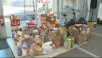 Teacher collecting food for homeless Clay County students