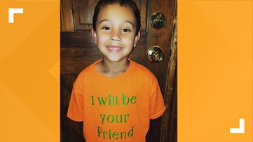 Elementary schooler's 'I will be your friend' shirt brightens up first day